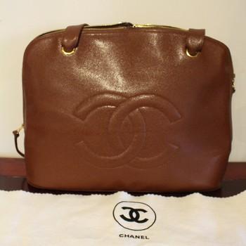 Vintage-Chanel-CC-Cognac-Caviar-Tote_64794E.jpg