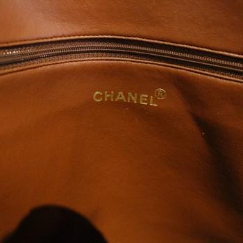 Vintage-Chanel-CC-Cognac-Caviar-Tote_64794F.jpg