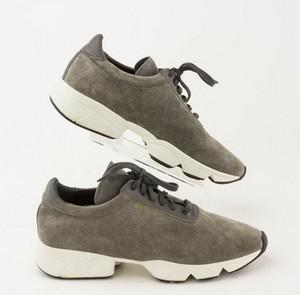 AXEL-ARIGATO-Gray-Suede-Sneakers_280900C.jpg