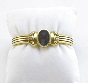BARRY-KIESELSTEIN-CORD-18K-Onyx-intaglio-cuff-bracelet_236818B.jpg