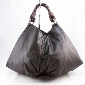 BOTTEGA-VENETA-Brown-extra-large-single-woven-handle-shoulder-bag_244149B.jpg