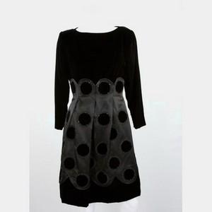 CAROLINA HERRERA Black velvet and satin size 6 long evening dress