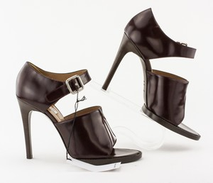 CARVEN-Maroon-Leather-Buckle-Open-Toe-Stiletto_279022H.jpg