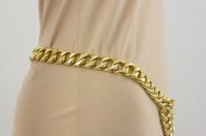 CHANEL-Gold-Chain-Link-Adjustable-Belt_210072B.jpg
