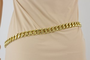CHANEL-Gold-Chain-Link-Adjustable-Belt_210072C.jpg