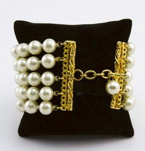 CHANEL-Pearl-five-strand-link-bracelet-with-gold-trim_189520B.jpg