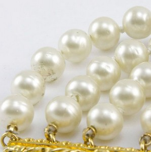 CHANEL-Pearl-five-strand-link-bracelet-with-gold-trim_189520D.jpg