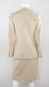 CHANEL-Pink-tweedy-wool-blazer-2-piece-skirt-suit-size-36_251751C.jpg