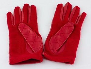 CHANEL-Red-Leather-Quilted-Gloves-Size-7.5_223936C.jpg