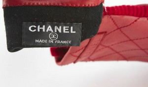 CHANEL-Red-Leather-Quilted-Gloves-Size-7.5_223936F.jpg