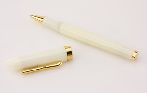 CONKLIN-Gold-and-Off-White-Enamel-Ballpoint-Pen_272767B.jpg