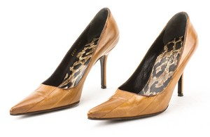 DOLCE & GABBANA Tan Eel Skin Pointed Toe Classic Pumps