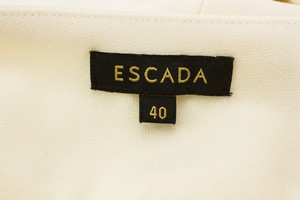 ESCADA-Off-White-Trousers-with-Gold-Hardware-Accent_264256E.jpg