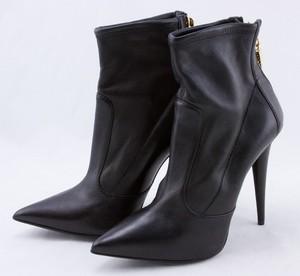 GIUSEPPE-ZANOTTI-Black-leather-stiletto-boots-w-gold-zip-claw-size-EU-37.5-7.5_254893C.jpg