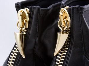 GIUSEPPE-ZANOTTI-Black-leather-stiletto-boots-w-gold-zip-claw-size-EU-37.5-7.5_254893D.jpg
