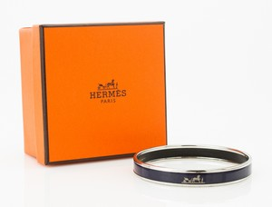 HERMES Blue Narrow Palladium Bangle GM 70