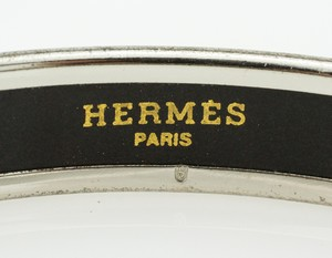 HERMES-Blue-Narrow-Palladium-Bangle-GM-70_251023C.jpg
