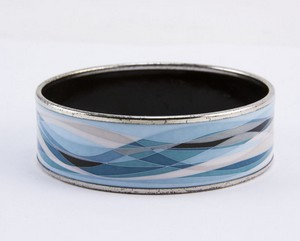 HERMES-Blue-enamel-print-wide-silver-bangle_199813D.jpg