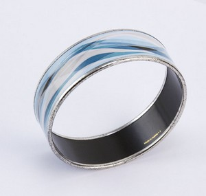 HERMES-Blue-enamel-print-wide-silver-bangle_199813E.jpg
