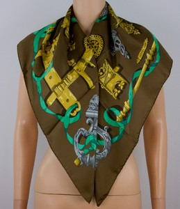 HERMES-Brown-and-gold-silk-latche-design-scarf-36-inches_227278C.jpg