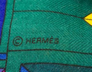 HERMES-Cashmere-Multi-Colored-Aztec-N.-Hidaka-Le-Fil-DAriane-Design-Large-Scarf_267034I.jpg