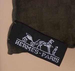 HERMES-Gray-silk-twill-H-pattern-scarf-71-inches_252968E.jpg