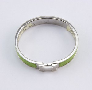 HERMES-Green-palladium-narrow-H-clic-clac-bangle-bracelet_244232G.jpg