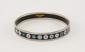 HERMES-Palladium-Plated-Narrow-Bangle-with-Blue-Dot-Print-Size-70_273118B.jpg