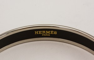 HERMES-Palladium-Plated-Narrow-Bangle-with-Blue-Dot-Print-Size-70_273118D.jpg
