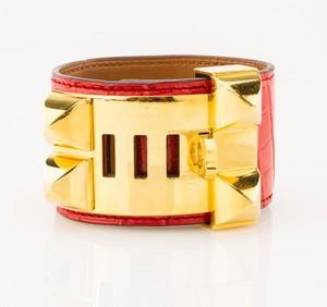 HERMES-Red-Alligator-Skin-Gold-Collier-De-Chien-Bracelet_249913B.jpg
