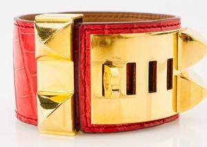 HERMES-Red-Alligator-Skin-Gold-Collier-De-Chien-Bracelet_249913E.jpg