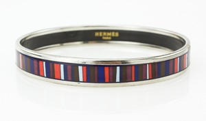HERMES-Red-White-and-Blue-Striped-Narrow-Palladium-Bangle-GM-70_251024B.jpg