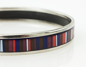 HERMES-Red-White-and-Blue-Striped-Narrow-Palladium-Bangle-GM-70_251024F.jpg