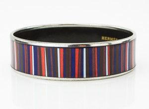 HERMES-Red-White-and-Blue-Striped-Palladium-Bangle-GM-70_251020B.jpg