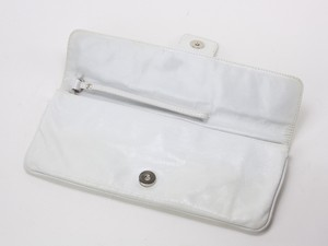 HOBO-White-Crackled-Leather-Clutch-w-Buckle-Embellished-Magnetic-Flap_261905D.jpg