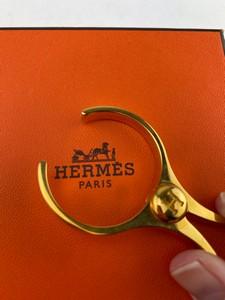 Hermes-Scarves_272159D.jpg