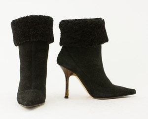 JIMMY-CHOO-black-short-suede-boots_270517D.jpg