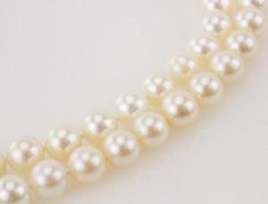 JUDITH-RIPKA-18k-Carnelian-intaglio-double-pearl-strand-necklace_187115C.jpg