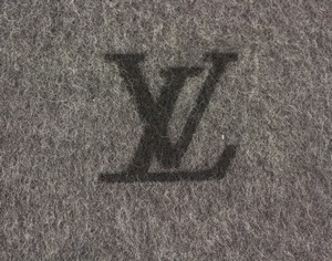 LOUIS-VUITTON-Charcoal-Cashmere-Fringe-Trim-Scarf-with-Box_252307C.jpg