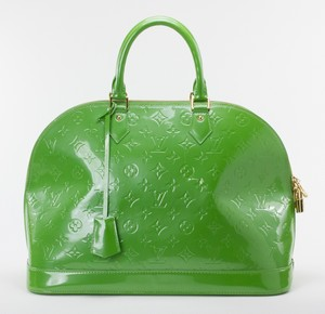 LOUIS-VUITTON-Green-Patent-Leather-Large-Vernis-Alma-w-LV-Monogram-Embossed_263565B.jpg
