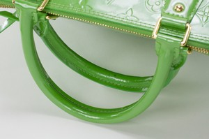 LOUIS-VUITTON-Green-Patent-Leather-Large-Vernis-Alma-w-LV-Monogram-Embossed_263565F.jpg
