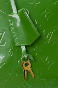 LOUIS-VUITTON-Green-Patent-Leather-Large-Vernis-Alma-w-LV-Monogram-Embossed_263565G.jpg