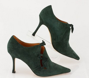 MANOLO-BLAHNIK-Green-Suede-Short-Pointed-Toe-Booties-with-Bow-Accents_279971D.jpg
