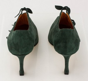 MANOLO-BLAHNIK-Green-Suede-Short-Pointed-Toe-Booties-with-Bow-Accents_279971G.jpg