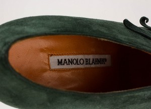 MANOLO-BLAHNIK-Green-Suede-Short-Pointed-Toe-Booties-with-Bow-Accents_279971I.jpg
