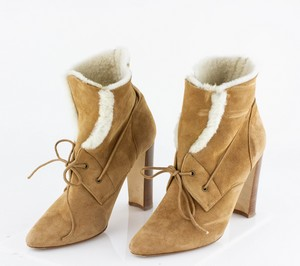 MANOLO BLAHNIK Tan Shearling Heeled Boots
