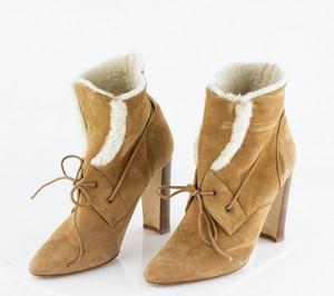 MANOLO BLAHNIK Tan Shearling Heeled Boots