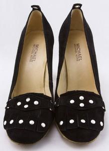 MICHAEL-KORS-Black-suede-silver-studded-kiltie-tongue-gum-sole-pumps-size-9_259773B.jpg