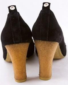 MICHAEL-KORS-Black-suede-silver-studded-kiltie-tongue-gum-sole-pumps-size-9_259773C.jpg
