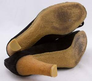 MICHAEL-KORS-Black-suede-silver-studded-kiltie-tongue-gum-sole-pumps-size-9_259773E.jpg